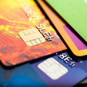 Mire jó a dombornyomott bankkártya?
