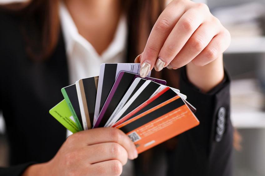 Milyen fajtái vannak a bankkártyáknak?