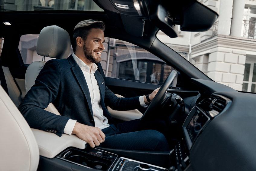 Kötelező biztosítás kötése céges autóra