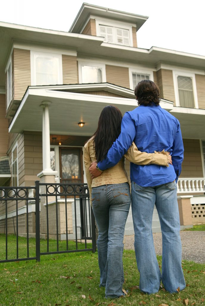 Ingatlanvásárlás lakástámogatásból – hány év múlva adhatjuk el?