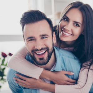 Célszerű közös bankszámlát nyitni házastársaknak?