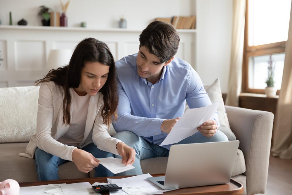 Hogyan kaphatnak lakáshitelt a KHR listások?