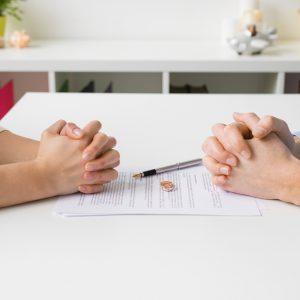 Mi történik a babaváró hitellel válás után?